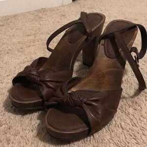 Banana Republic Brown Wood Strappy Heels Size 10